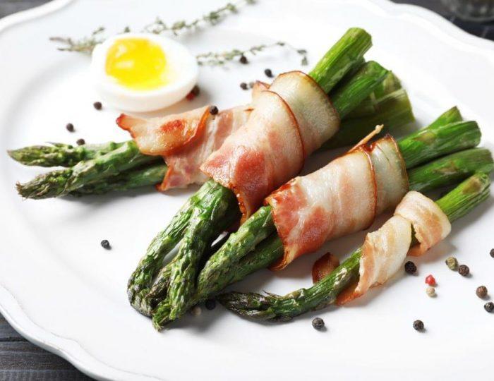 Bacon-Wrapped-Asparagus-Eggs-e1517259769110