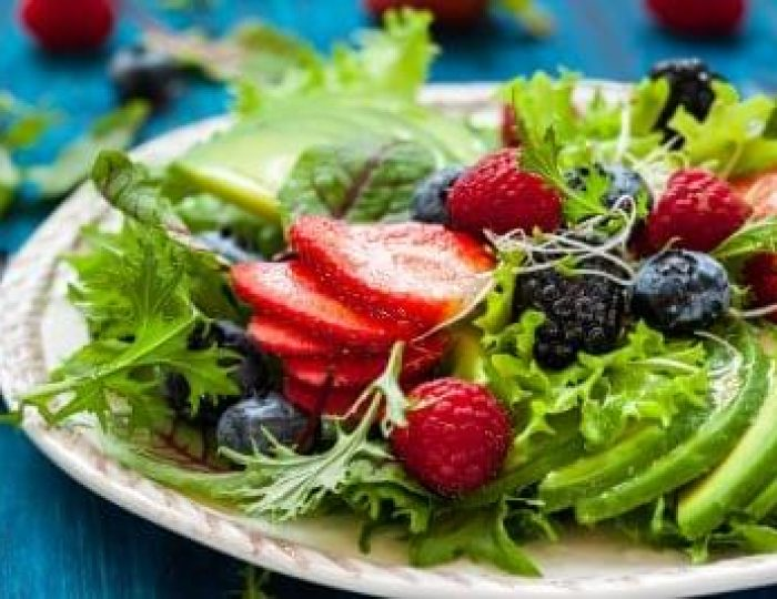 Berry-salad-on-a-keto-food-guide