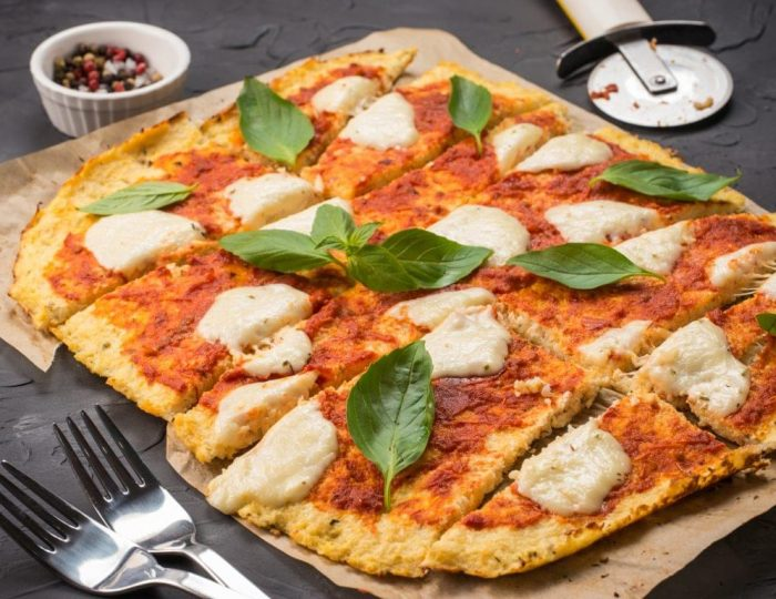 Cauliflower-Crust-Pizza-e1517245660991