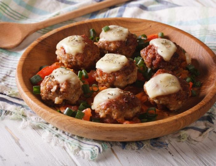 Cheesy-Chicken-Parmesan-Meatballs-e1517251198163