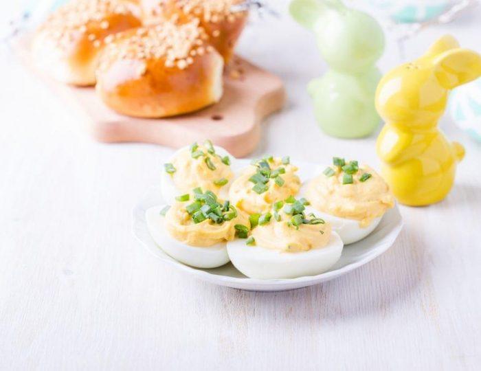 Creamy-Dill-Deviled-Eggs-e1517259940553