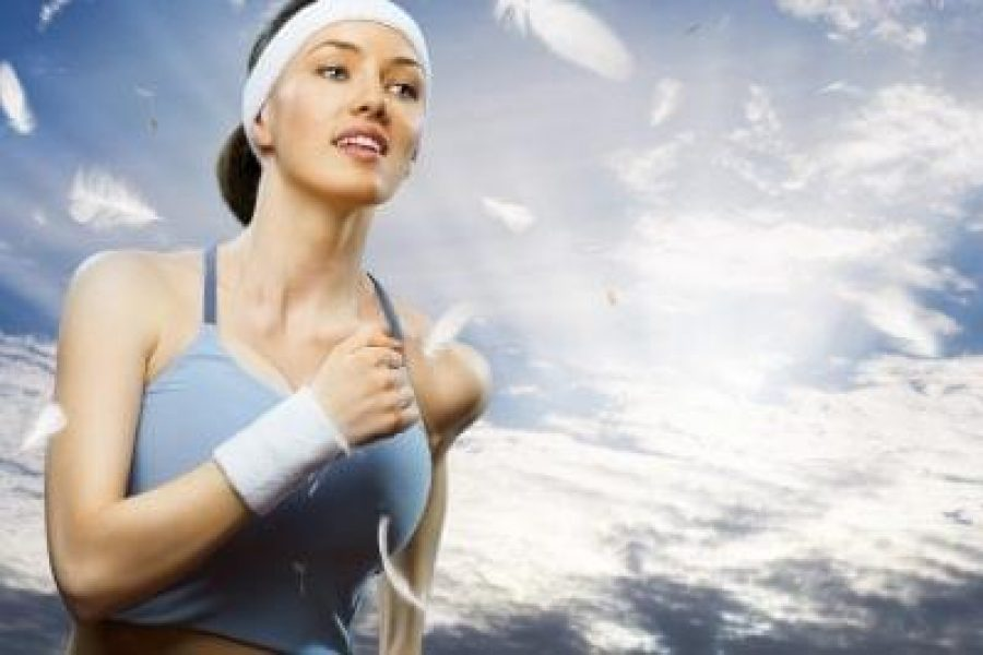 Cyclical-Ketogenic-Diet-CKD-Plan-girl-in-sport-on-the-nature