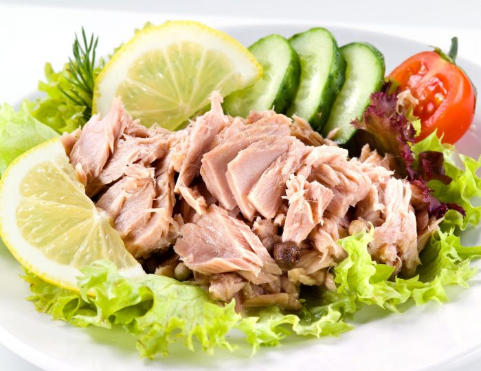 tuna with vegetable salad