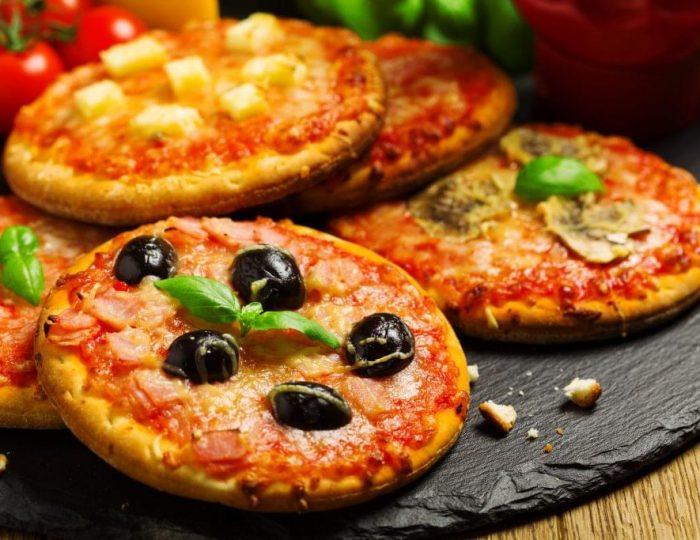 Mini-Salami-and-Cheese-Pizzas-e1517246534476