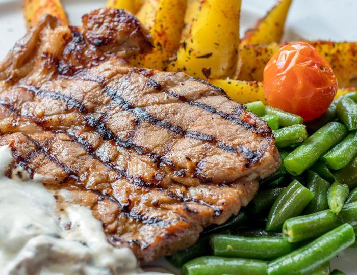 organic pork chop with green beans