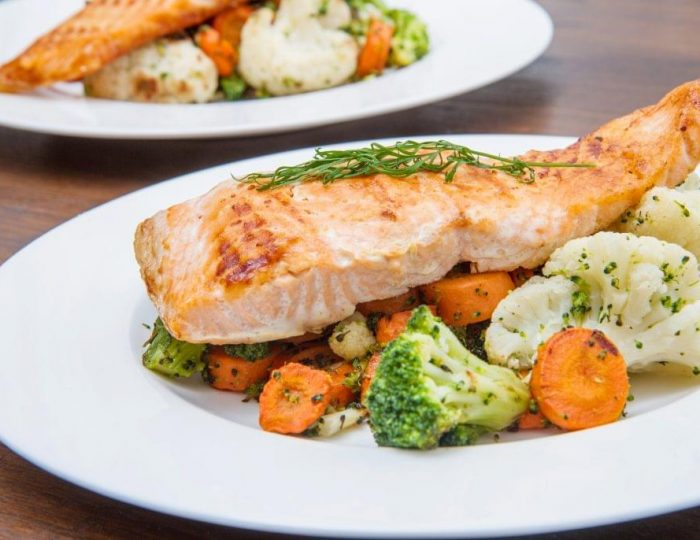 Sesame-Ginger-Salmon-with-Cauliflower-Mash-e1517246687941